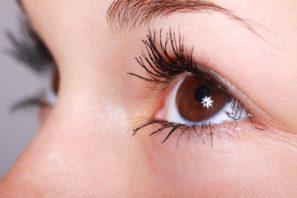 ako spevniť očné okolie